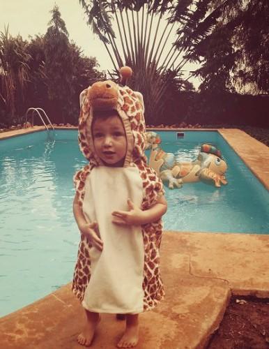 Julian als giraf met carnaval