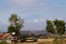 Uitzicht over farms rond Kilimanjaro