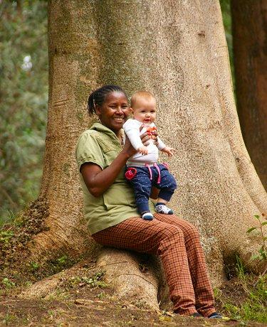 Nanny Naomi met Lisan