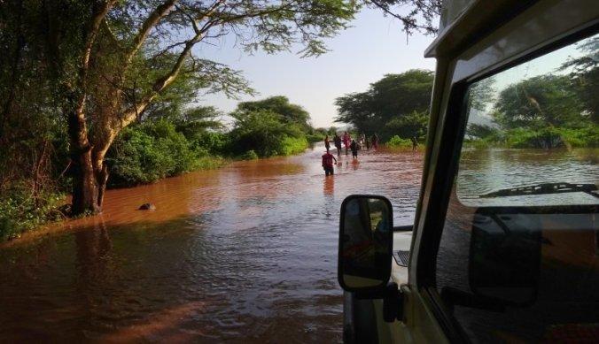 Per 4WD door het natte seizoen in Tanzania