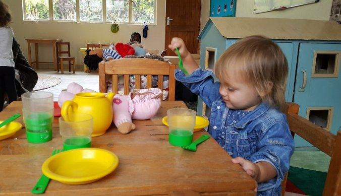 Kleine meisjes worden groot - voor het eerst naar school