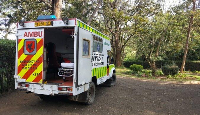 Per levensgevaarlijke ambulance naar het ziekenhuis in Arusha