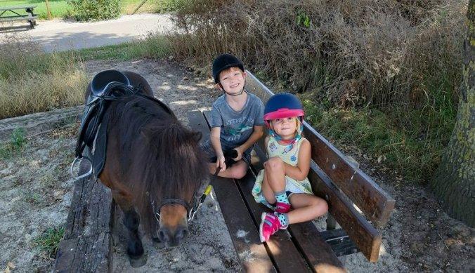 Ponyrijden op pony Coco
