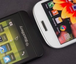 BlackBerry Z10 vs Samsung Galaxy IV