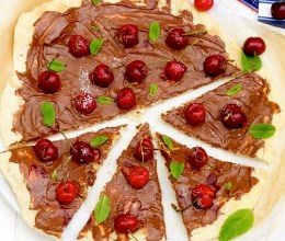 nutella cherry piza