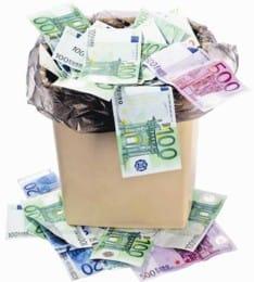 Ladispoli, oggi l'installazione dei nuovi cestini ma lo svuotamento si paga dallo scorso 25 giugno
