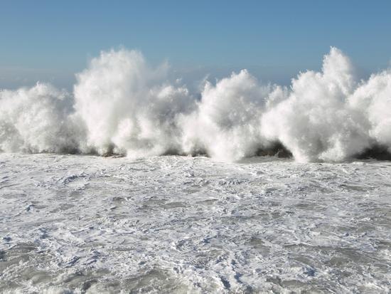 Allerta meteo sulle coste: burrasche e mareggiate per 24-36 ore