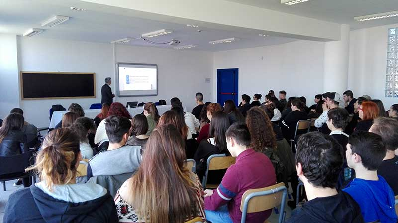 """Ladispoli, l'istituto superiore """"Giuseppe di Vittorio"""" a lezione di economia"""