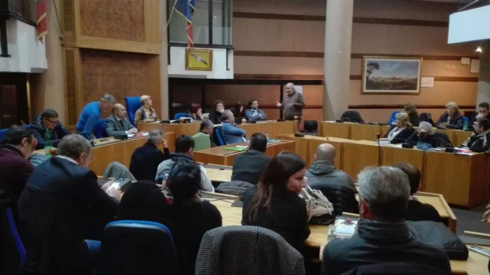 Ladispoli, doppia seduta di Consiglio comunale