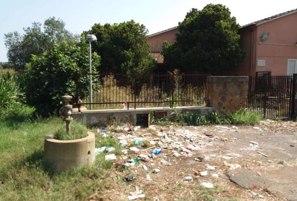 """Bucchi: """"In stato di completo abbandono la scuola """"Quartaccio"""" a Borgo San Martino"""""""