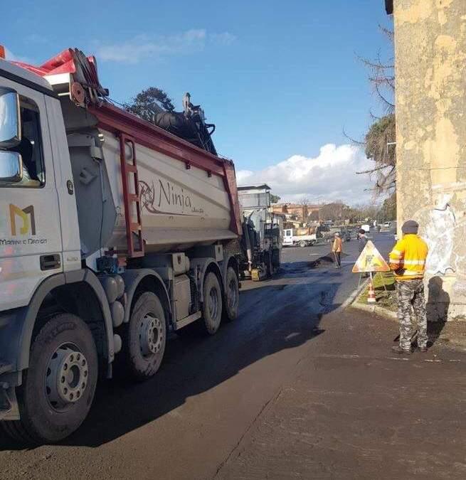Anguillara, avviati i lavori di rifacimento parcheggio fronte Conad