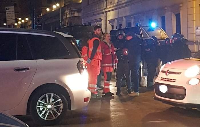 Lazio-Siviglia, scontro tra tifosi nel rione Monti: cinque i feriti
