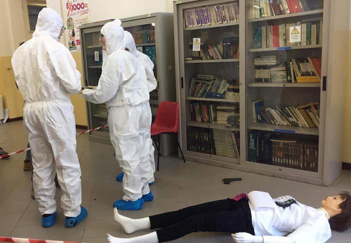 Tarquinia, CSI tra i banchi: gli studenti del Cardarelli sulla scena del crimine