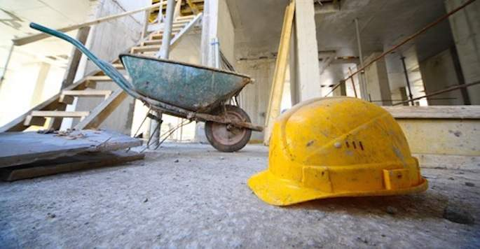 Cade da due metri e mezzo e muore: incidente sul lavoro a Cerveteri