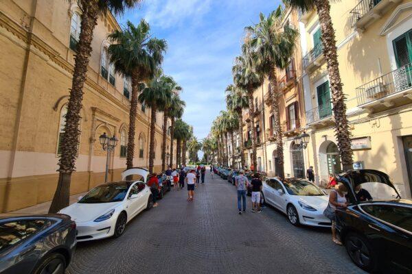 Raduno Taranto 5 e 6 giugno 2021 Tesla