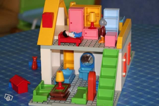 Maison avec accessoires Playmobil 123 collection