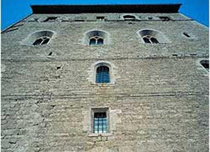 Una_veduta_del_Palazzo_dei_Canonici_che_ospita_il_Museo_Diocesano-copertina