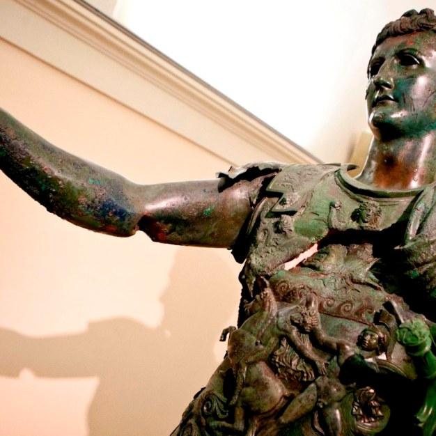Amelia Germanico statua-1