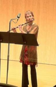 "Performing ""sonus sonorous"" March 2013 (baroque flute & electronic media)"