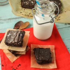 Chocolate Brownies #Paleo #Egg Free #Nut Free #vegan #chocolate #BROWNIES