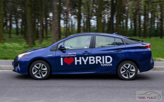 Nowa Toyota Prius PREMIUM 1.8 Hybrid 122 KM-E CVT fot. Jakub Baltyn (32)