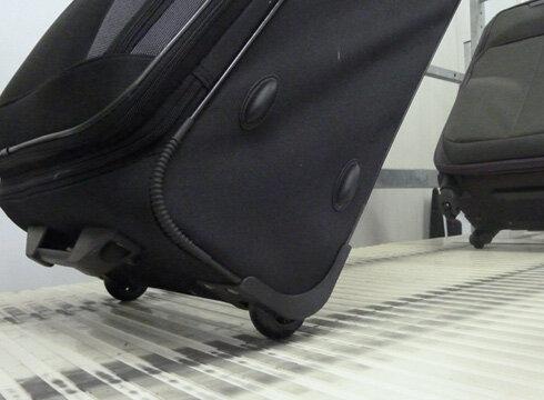 Koffer - Bildstrecke: Im Prüflabor - Stiftung Warentest