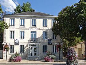 Lavardac_-_Mairie_-1