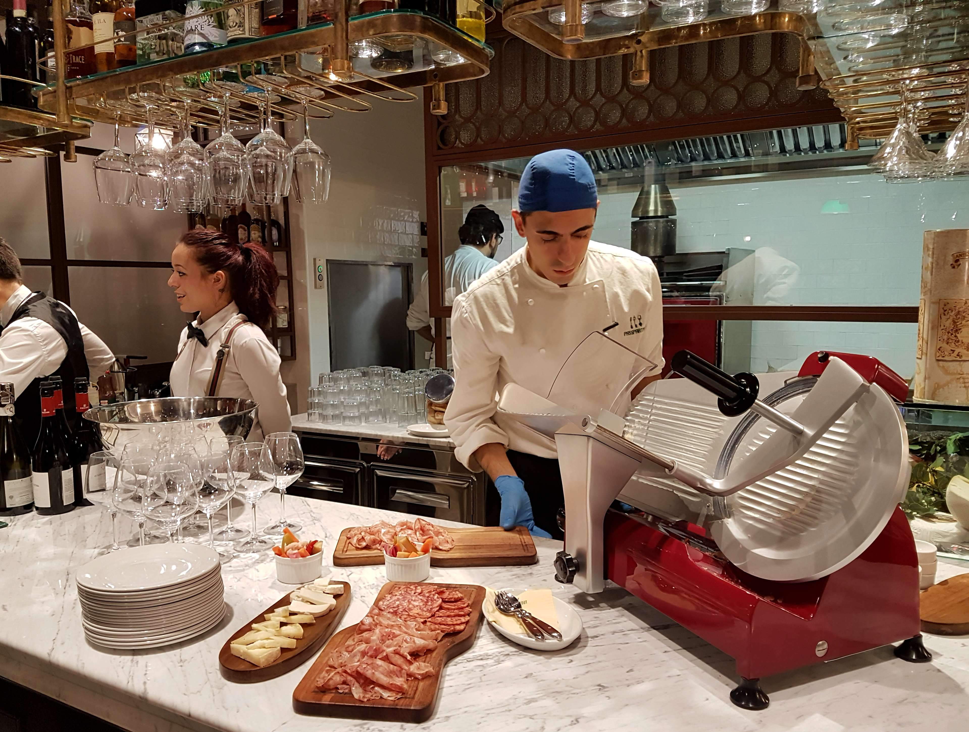Passpartout Roma is one of the best restaurants near the Vatican, in Borgo Pio, serving coffee, lunch, dinner, cocktails. #visitrome #visitItaly