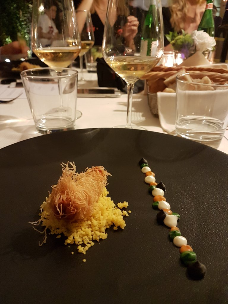 Molto Ristorante is an elegant restaurant in Rome Parioli ideal for occasion dining or a romantic dinner in Rome, offering Roman cuisine and fish dishes.