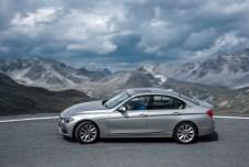 BMW 330e F30 006