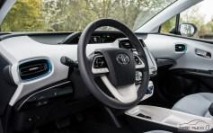 Nowa Toyota Prius PREMIUM 1.8 Hybrid 122 KM-E CVT fot. Jakub Baltyn (10)