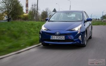 Nowa Toyota Prius PREMIUM 1.8 Hybrid 122 KM-E CVT fot. Jakub Baltyn (28)