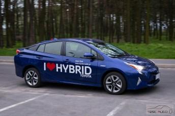 Nowa Toyota Prius PREMIUM 1.8 Hybrid 122 KM-E CVT fot. Jakub Baltyn (33)