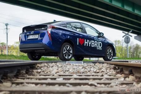 Nowa Toyota Prius PREMIUM 1.8 Hybrid 122 KM-E CVT fot. Jakub Baltyn (40)