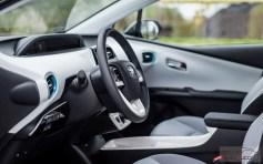 Nowa Toyota Prius PREMIUM 1.8 Hybrid 122 KM-E CVT fot. Jakub Baltyn (60)