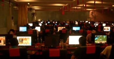 gry w kafejce internetowej / kafejka internetowa