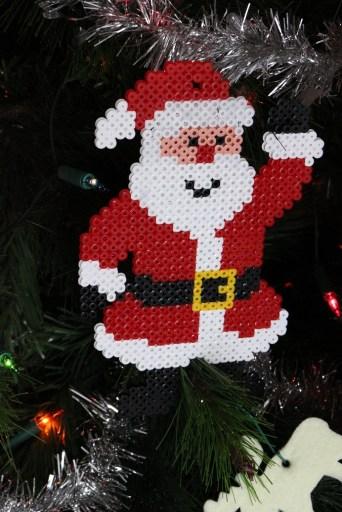 Père-Noel en perles Hama