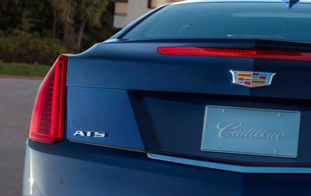 2015-Cadillac-ATScoupe-014