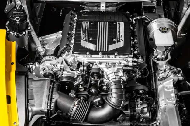 2015-Chevrolet-CorvetteZ06-016