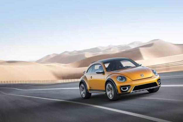 Volkswagen-Bettle-Dune-Driving