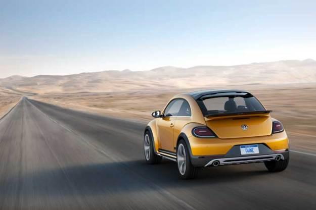 Volkswagen-Bettle-Dune-Rear-Driving