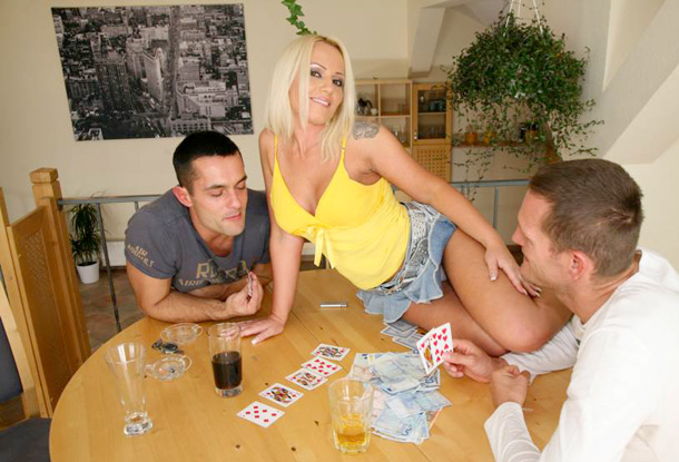 strip-poker2