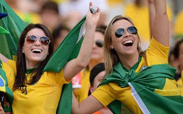 mulheres-no-futebol_torcedoras-brasil
