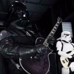 Banda toca tema de Star Wars em versão Heavy Metal