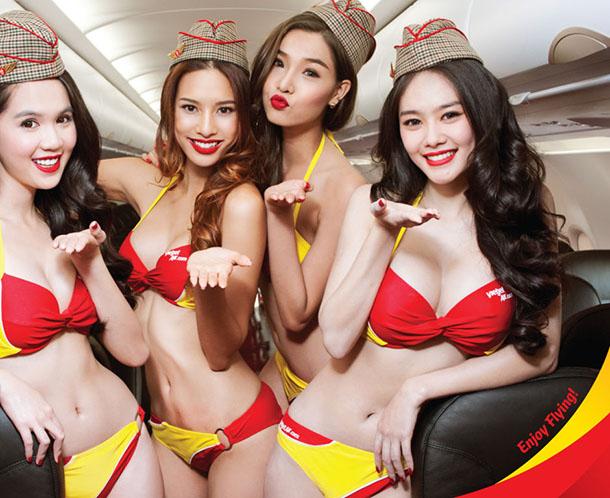 A companhia aerea onde aeromocas usam biquini (3)