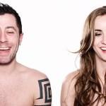 Série fotográfica mostra a reação das pessoas ao assistir pornografia