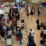 Mulher inventa bomba em aeroporto para impedir marido de viajar