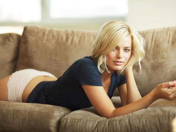7-Margot-Robbie