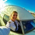 Maria Pettersson, a pilota de avião que também está decolando no Instagram