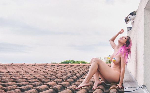 mulheres-em-cima-do-telhado-8